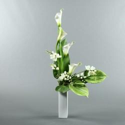 Vase M blanc - Arum blanc, Freesia blanche, Anthurium vert