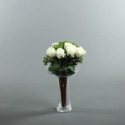 Coupe M clear - Bouquet de roses blanc, Skimmia