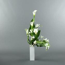 Bouquet L Arum blanc, Freesia blanc, Anthurium vert